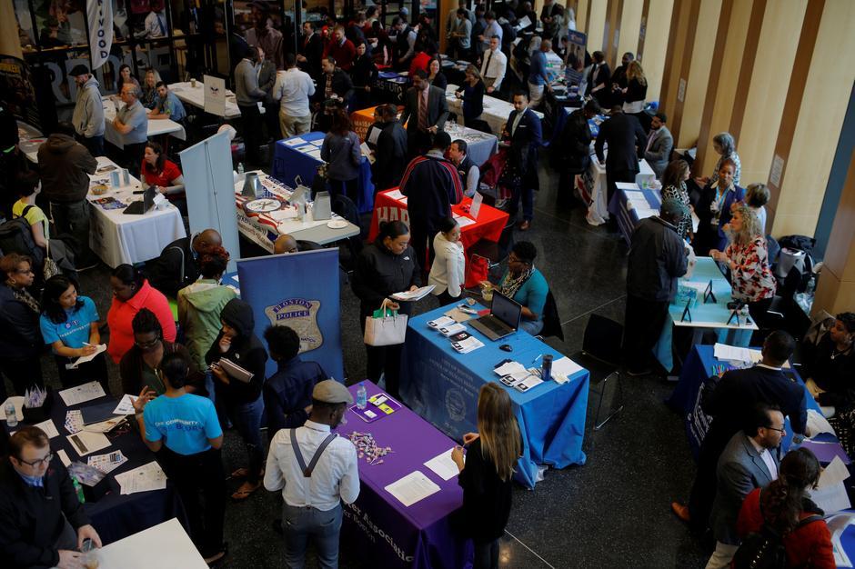 Đơn xin trợ cấp thất nghiệp tại Hoa Kỳ đạt mức kỷ lục 3.28 triệu