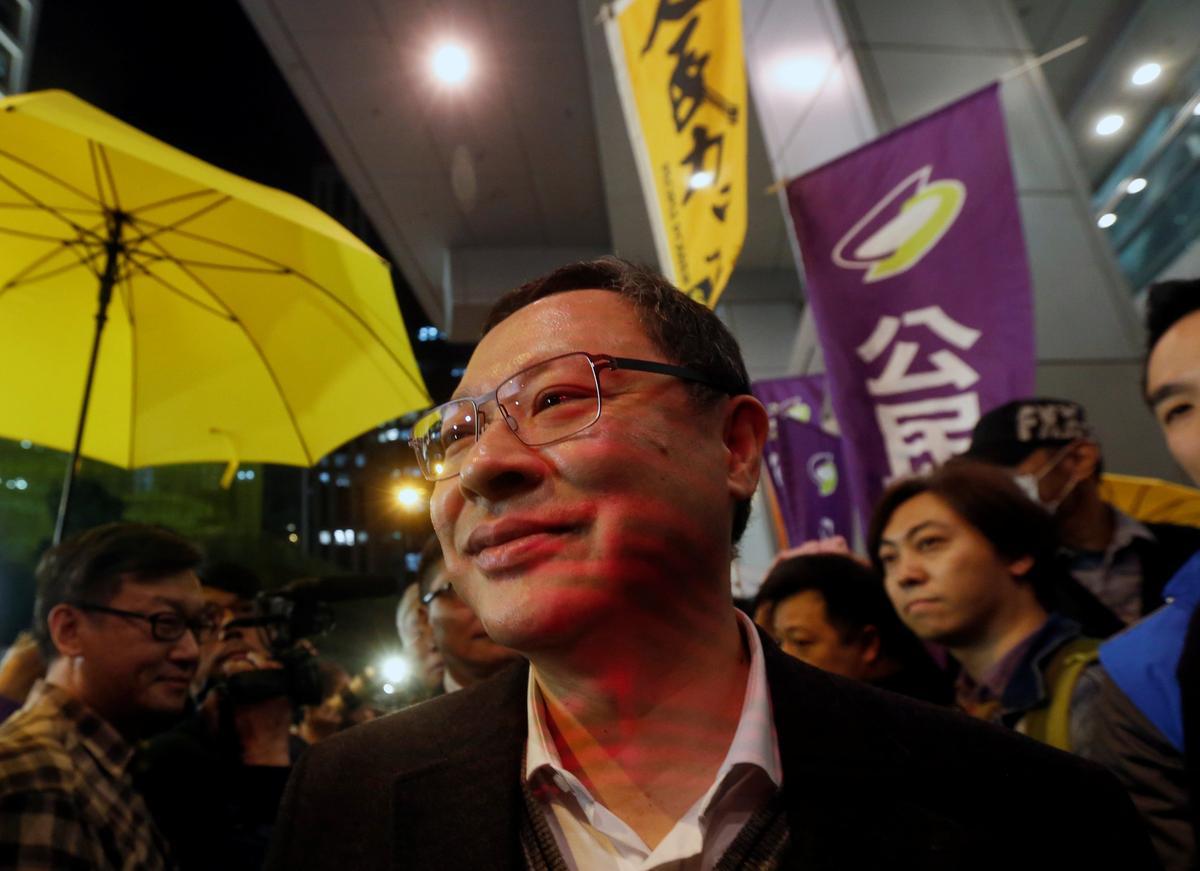 """Lãnh đạo phong trào """"dù vàng"""" của Hồng Kông được ra tù"""