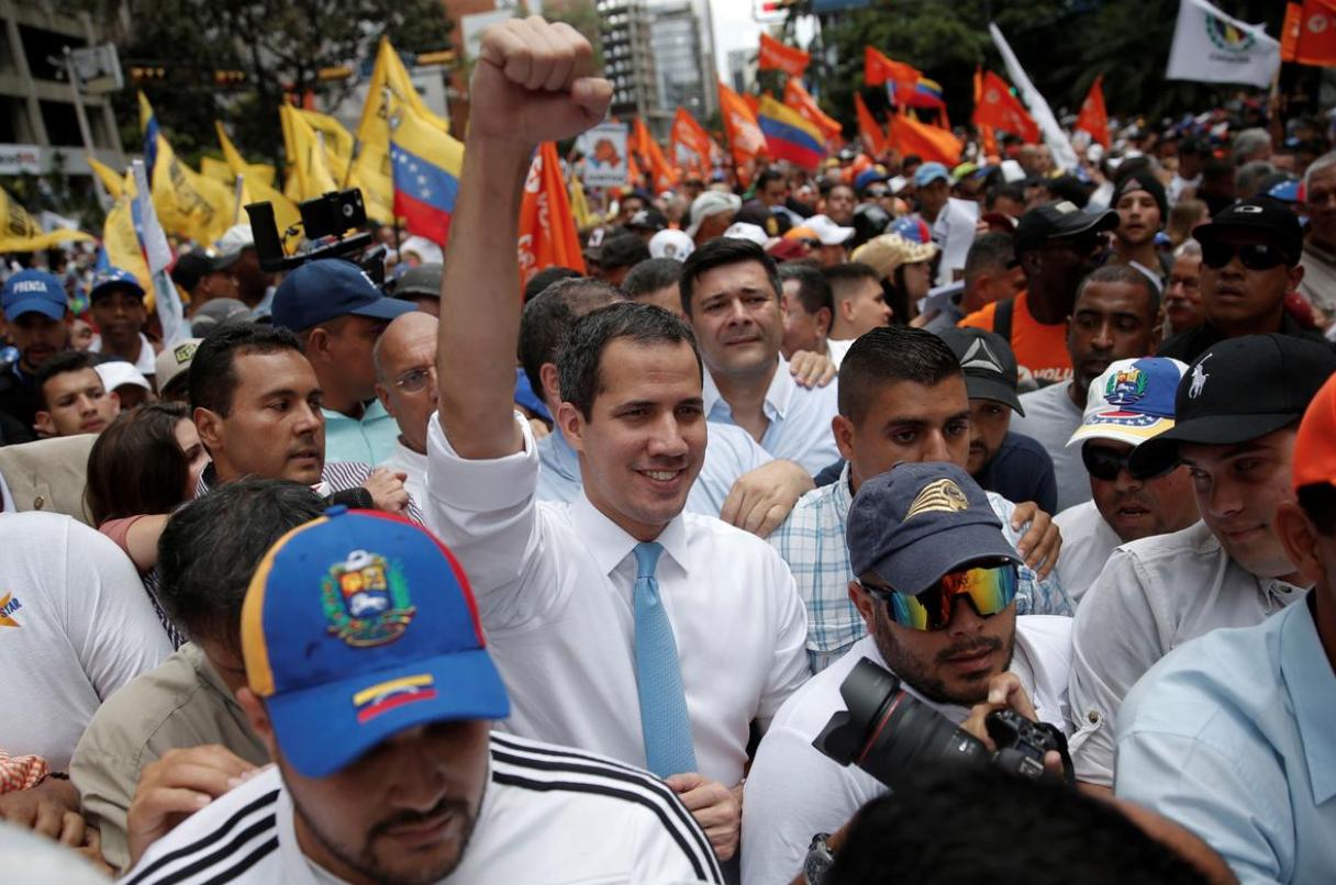 Cảnh sát Venezuela chặn cuộc biểu tình do lãnh đạo phe đối lập dẫn đầu bằng hơi cay