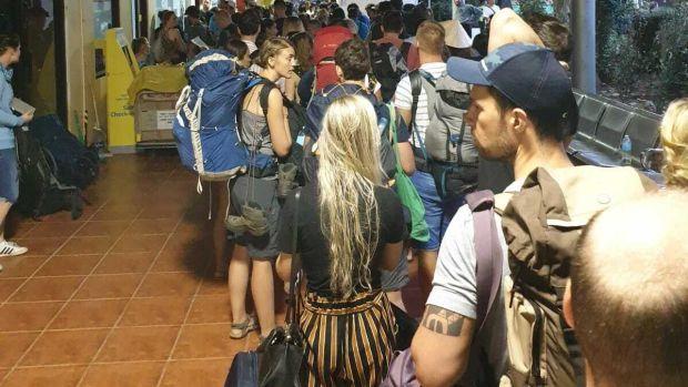 Du khách Châu Âu và Châu Á được di tản khỏi Bolivia