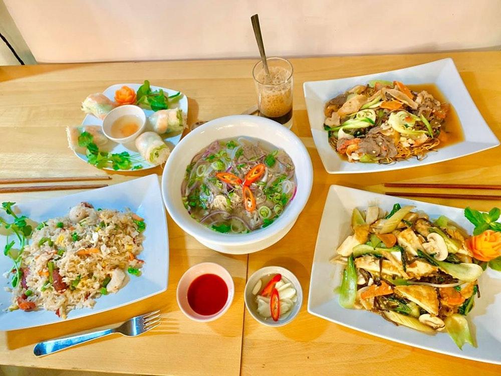 Nhà hàng Việt Nam tại Anh Quốc tràn ngập đơn đặt hàng sau khi yêu cầu trợ giúp trên Facebook