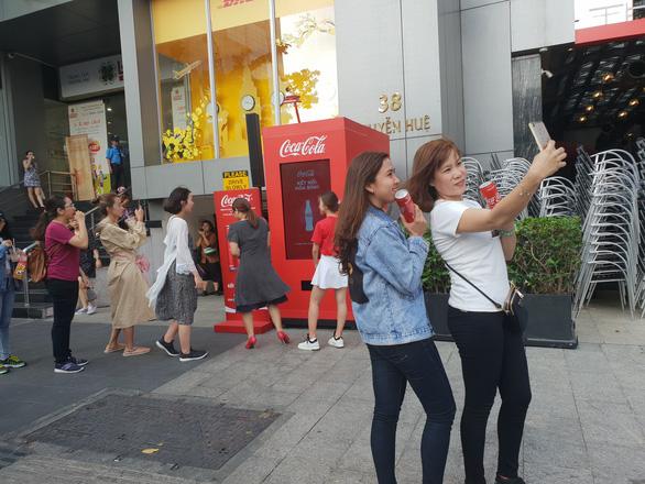 Facebook và Coca-Cola trì hoãn xét duyệt quảng cáo tại Việt Nam vì dịch bệnh coronavirus