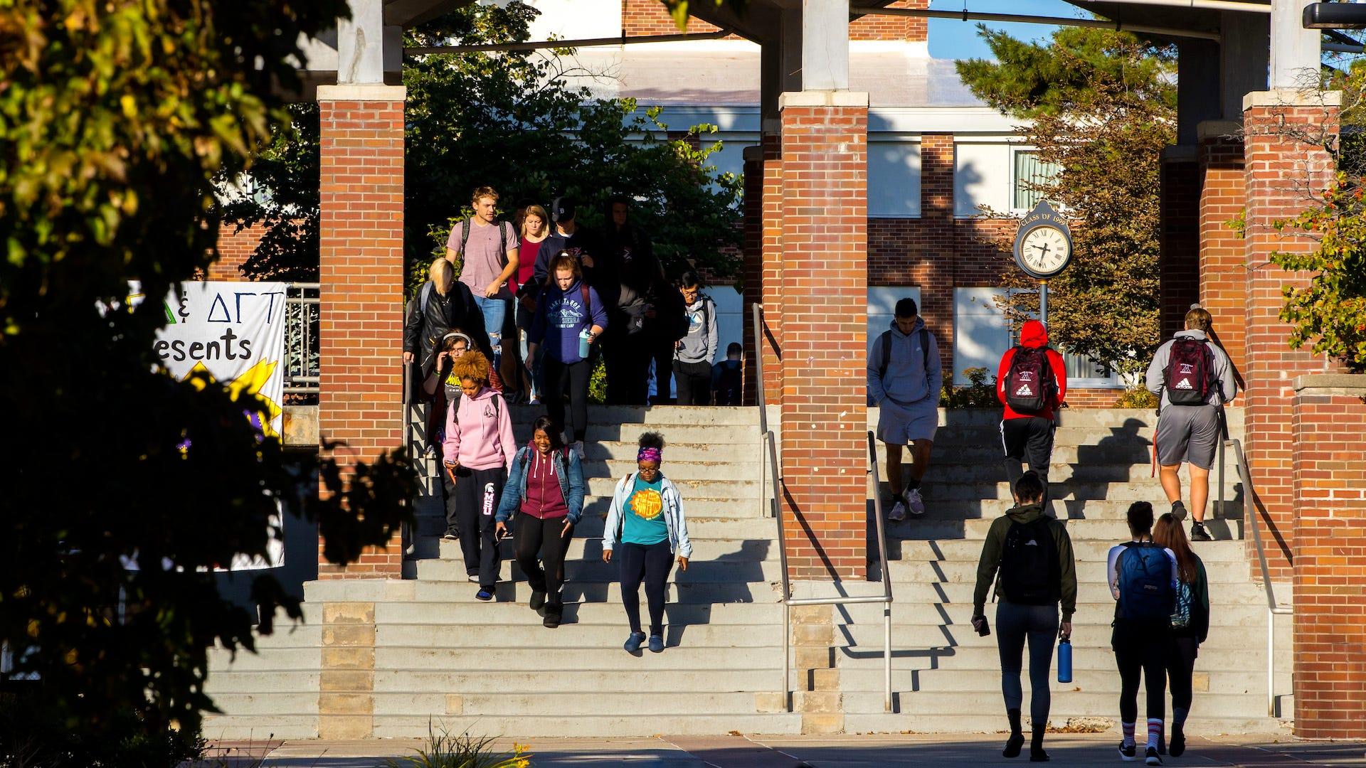 Sinh viên hy vọng trường đại học đổi cách chấm điểm trong giai đoạn khủng hoảng COVID-19