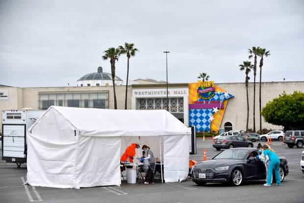 Nhiều người tìm đến các địa điểm xét nghiệm COVID-19 tư nhân tại thành phố Malibu và Westminster