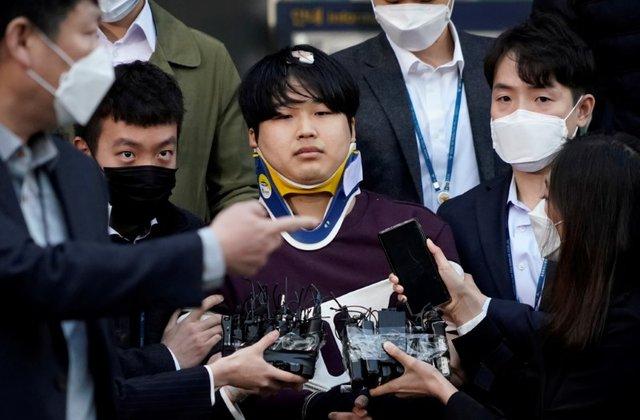 Người dân Nam Hàn phẫn nộ khi danh tính người dẫn đầu đường dây tội phạm tình dục được công bố