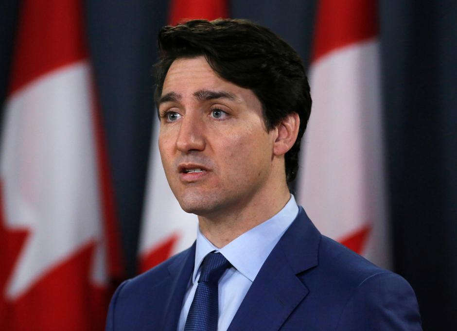 Thủ tướng Justin Trudeau quay sang Trung Cộng sau khi Hoa Kỳ ngừng xuất cảng khẩu trang qua Canada