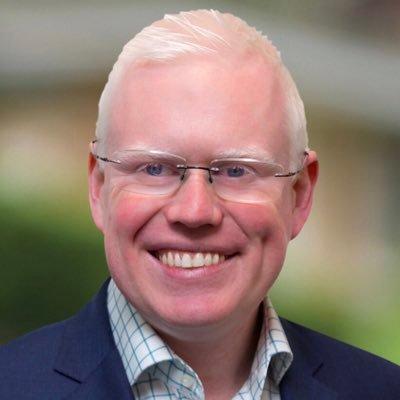 Đại sứ Gareth Ward thúcgiụcdu khách Anh Quốcrời khỏi Việt Nam