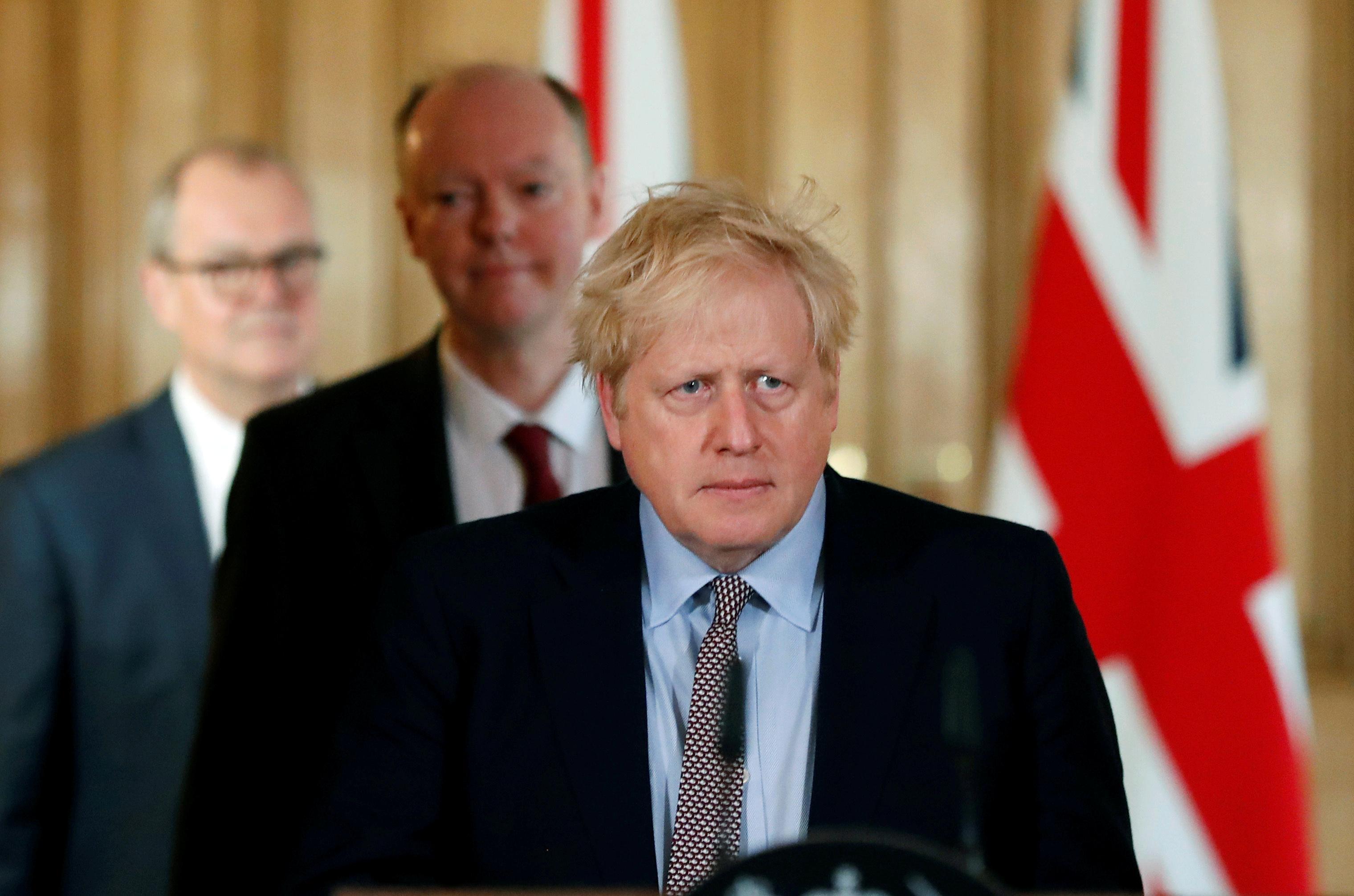 """Tình hình sức khỏe của thủ tướng Boris Johnson """"đang cải thiện"""" trong phòng chăm sóc đặc biệt"""