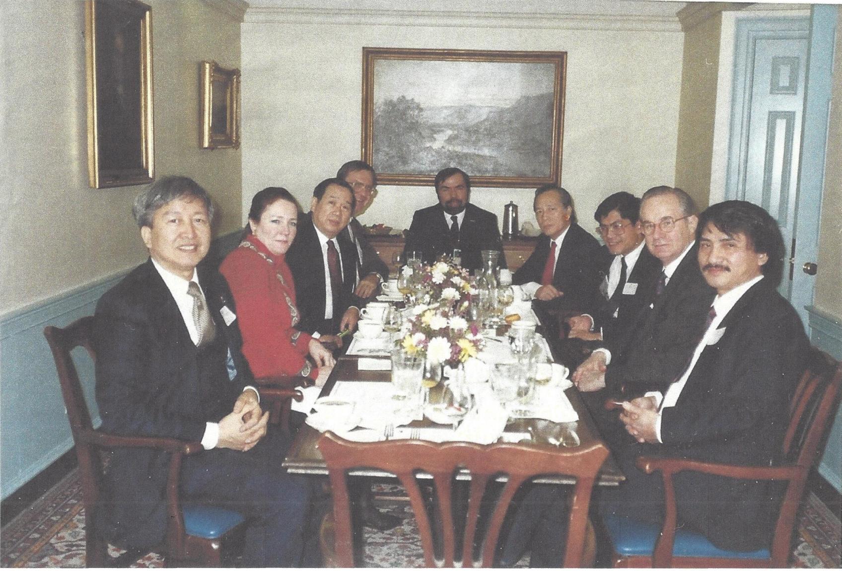 Ôn lại một số đặc điểm trong lịch sử tị nạn Việt Nam từ 1975 (Lê Xuân Khoa)