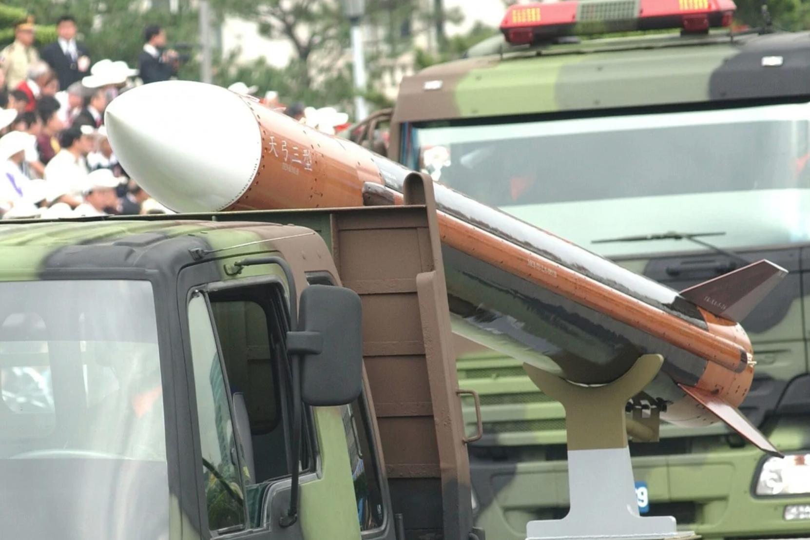 Đài Loan phát triển chương trình hỏa tiễn để phòng thủ trước đe dọa của Bắc Kinh
