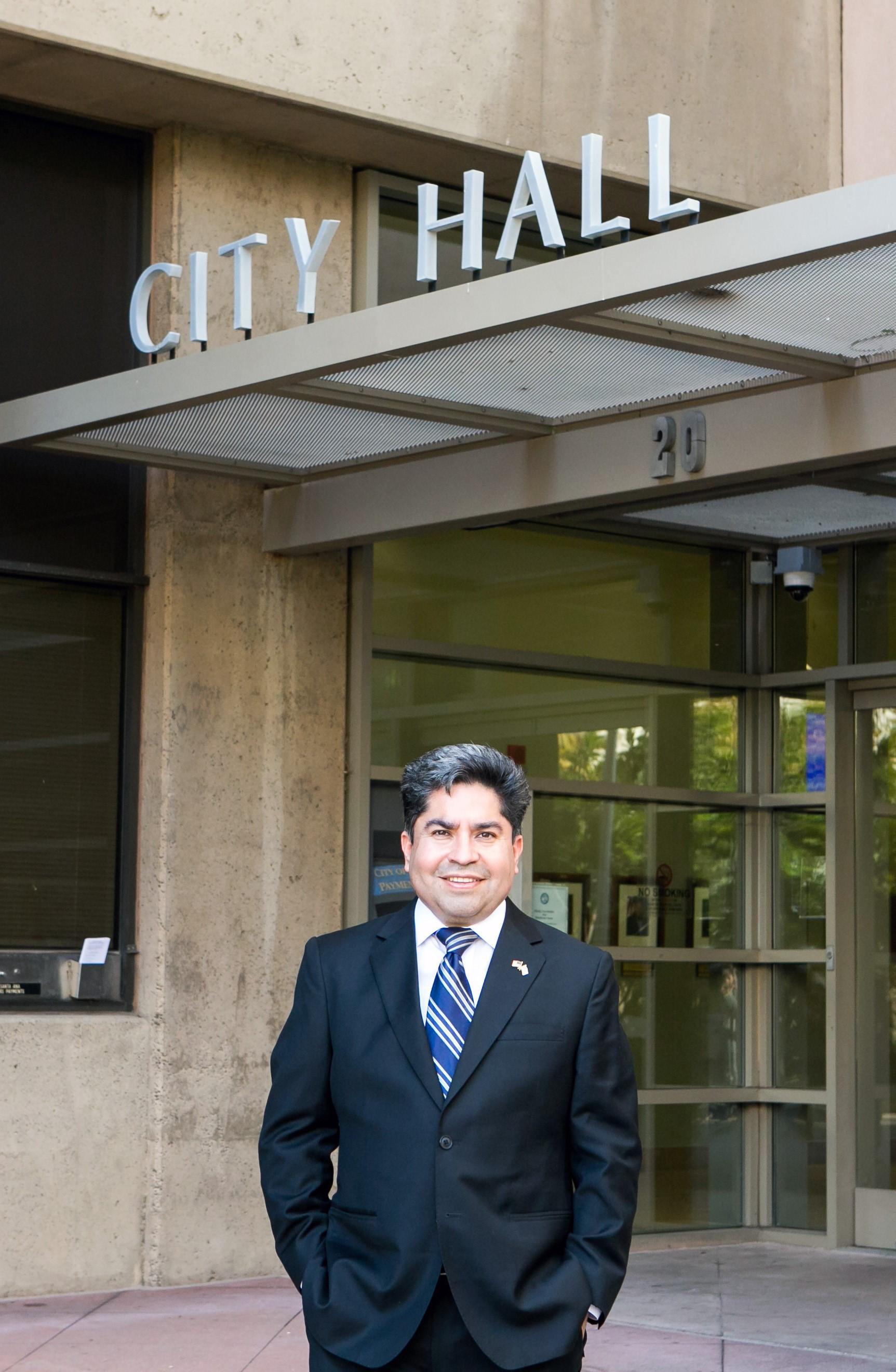 Thành phố Santa Ana trợ cấptiền thuê nhàcho cưdâncó thu nhập thấp