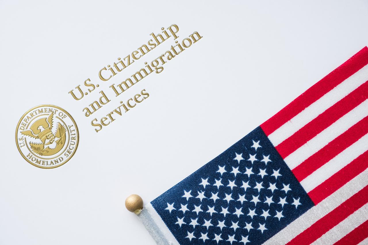 Sở Di Trúyêu cầu chính phủ Hoa Kỳ tài trợngânquỹ khẩn cấp.