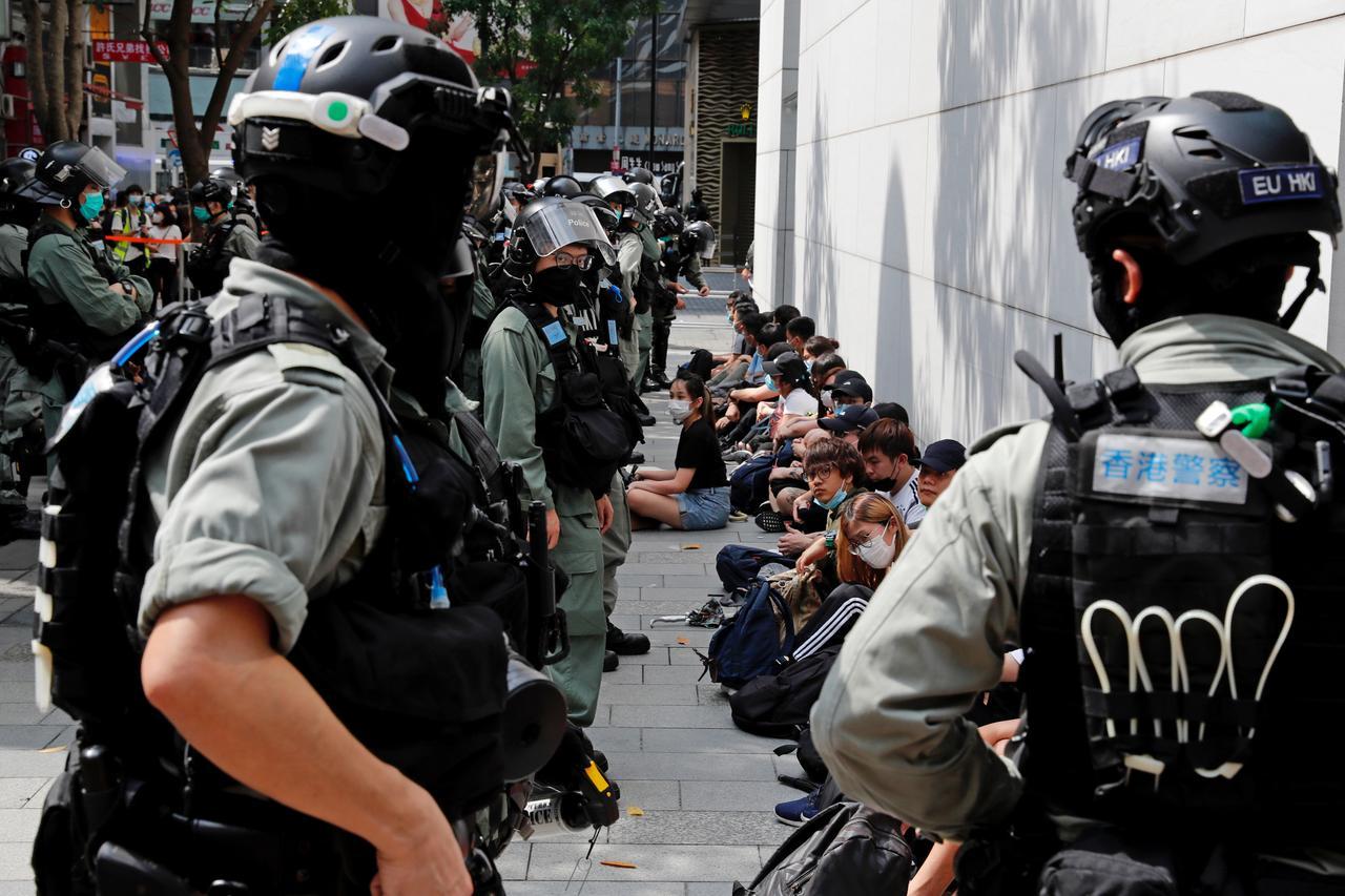 """Chính phủ Hồng Kông khuyến cáo rằng việc loại bỏ tình trạng đặc biệt dành cho Hồng Kong là """"con dao hai lưỡi"""""""