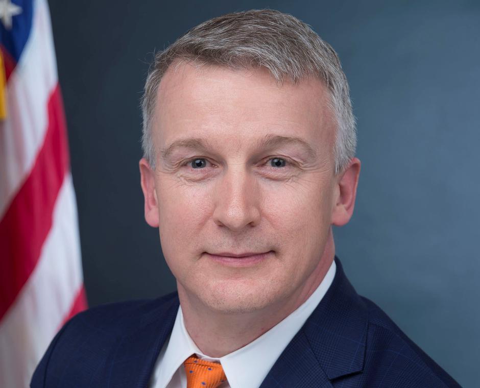 Cựu giám đốc cơ quan phát triển thuốc chữa COVID-19 cáo buộc chính quyền Tổng Thống Trump xem nhẹ đại dịch