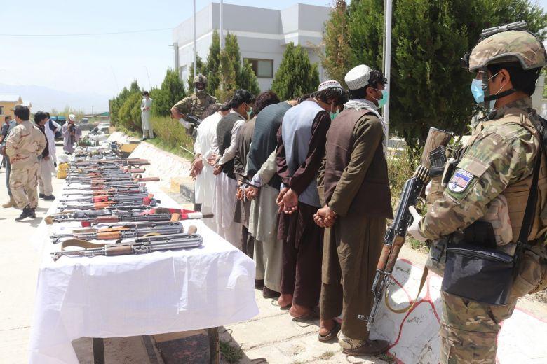 Taliban, Hoa Kỳ khẩu chiến trên Twitter giữa thời điểm bạo lực ở Afghanistanngày cànggia tăng