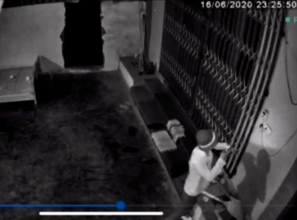Xuất hiện kẻ lạ mặt nửa đêm đột nhập vào nhà cụ Lê Đình Kình