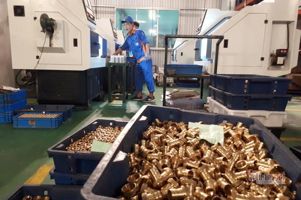 Kinh tế toàn cầu suy thoái, chỉ mình Việt Nam vươn lên