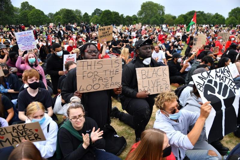 Hàng chục ngàn người biểu tình tại London để phản đối nạn kỳ thị chủng tộc