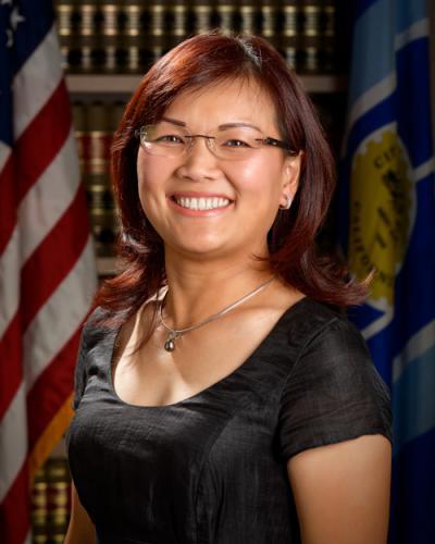 Nghị viên Diedre Thu-Hà Nguyễn phối hợp buổi đối thoại với tiểu bang California về tầm quan trọng của ngành nail trong cộng đồng Việt Nam