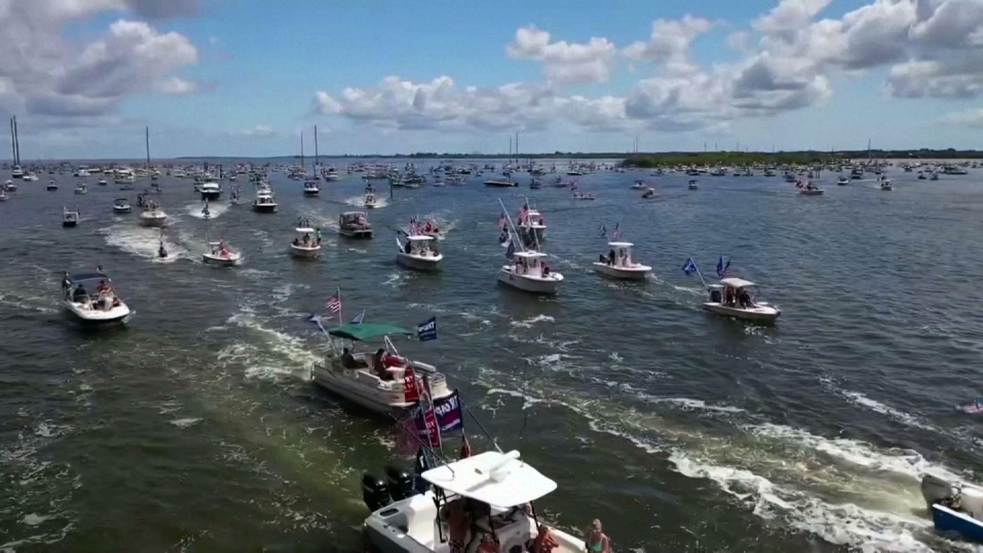 Những người ủng hộ Tổng Thống Trump diễn hành bằng thuyền xuôi dòng sông Florida