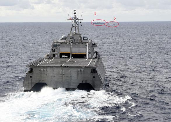 Chiến hạm Hoa Kỳ, tàu kiểm ngư Việt Nam cùng xuất hiện gần tàu của Trung Cộng ở biển Đông