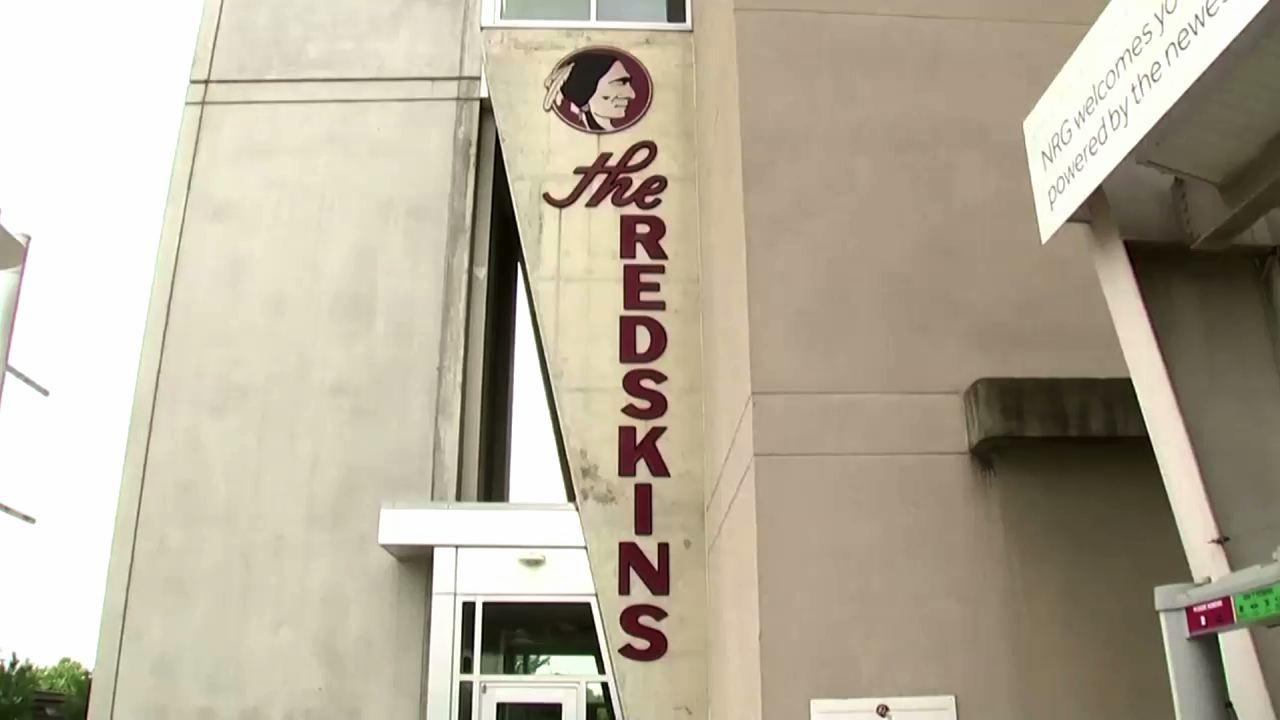 """Đội bóng bầu dục Washington ngừng sử dụng tên """"Redskins"""" kể từ thứ Hai (13/07/2020)"""