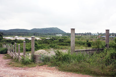 """""""Đầu tư"""" không tới, nhiều dự án khu công nghiệp bỏ hoang"""