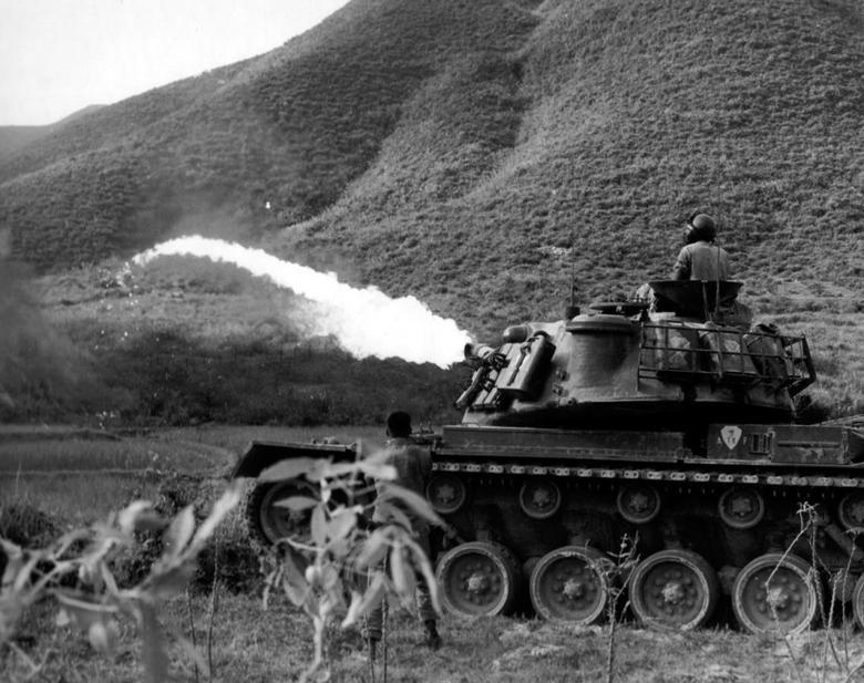 Người con lai trong chiến tranh Việt Nam đoàn tụ với anh chị em cùng cha khác mẹ