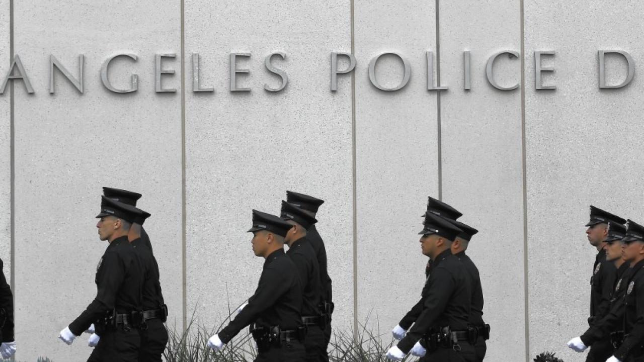 Los Angeles cắt giảm 150 triệu Mỹ kim ngân sách của sở cảnh sát thành phố, đồng thời giảm số lượng cảnh sát