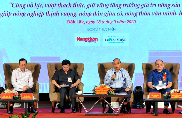 """Thủ tướng CSVN """"đối thoại"""" với nông dân giả ở Dak Lak"""