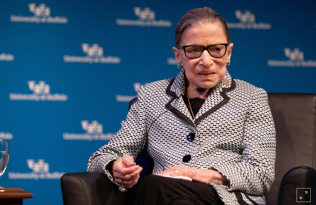 Thẩm phán Tòa án Tối cao Hoa Kỳ Ginsburg qua đời ở tuổi 87 vì ung thư tuyến tụy