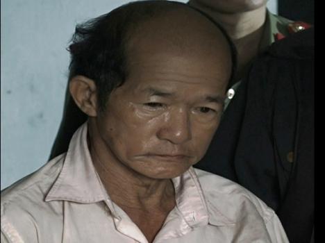 """Một dân oan và một cựu viên chức bị bắt vì cáo buộc """"lợi dụng quyền tự do dân chủ"""""""