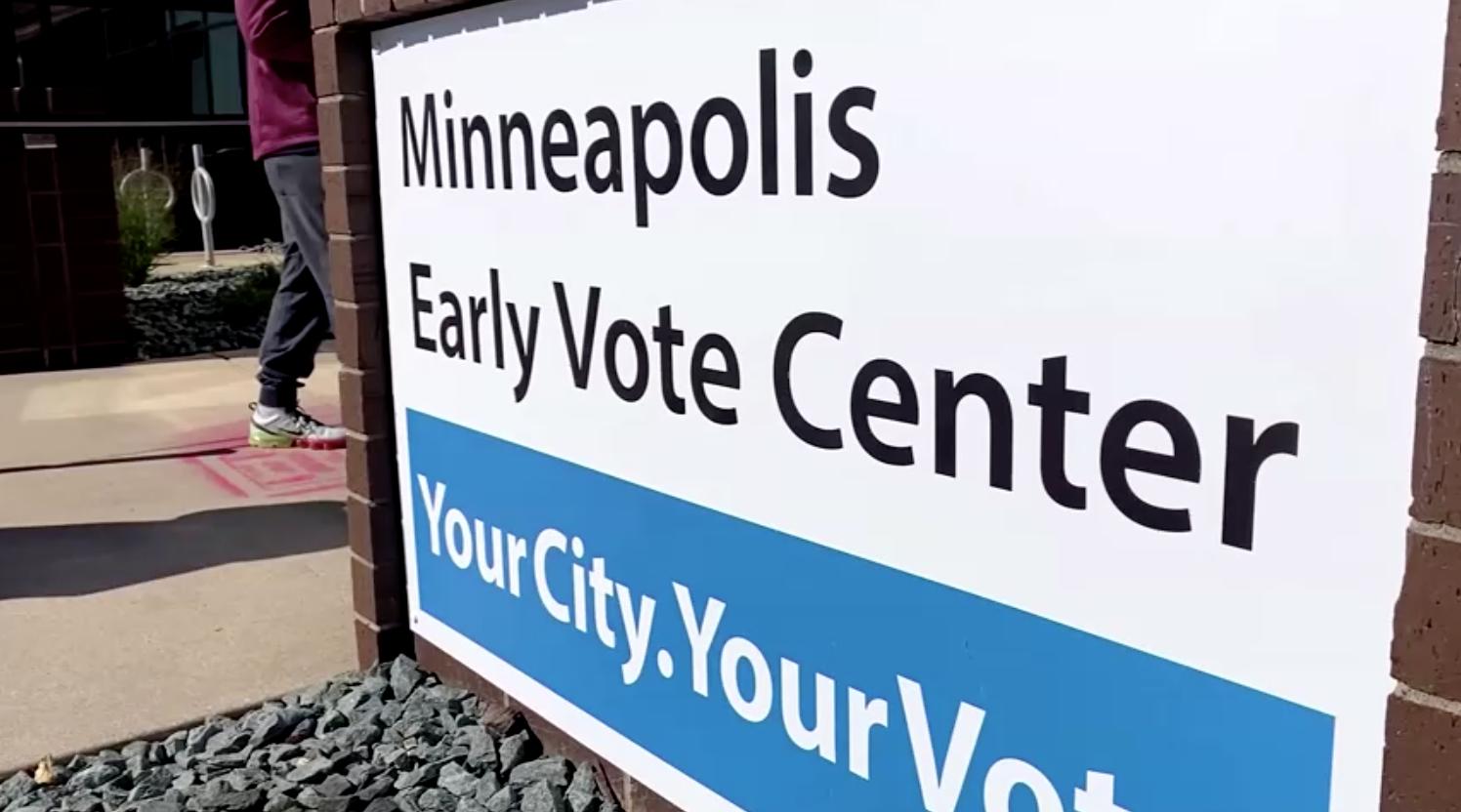 Các ứng cử viên Tổng Thống đến thăm Minnesota khi tiểu bang bắt đầu bầu cử sớm
