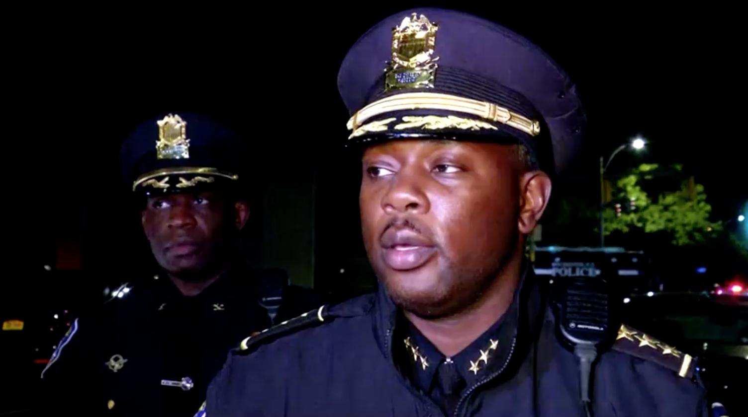 Nổ súng trong bữa tiệc ở Rochester khiến 2 người chết và 14 người bị thương
