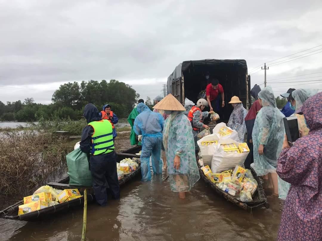 Dân kêu đói rét thảm thiết, nhà cầm quyền tỉnh Quảng Bình khuyên các đoàn từ thiện đưa quà cho nhà cầm quyền