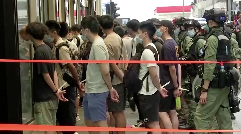 Hàng chục người bị bắt tại Hong Kong trong ngày quốc khánh Trung Cộng