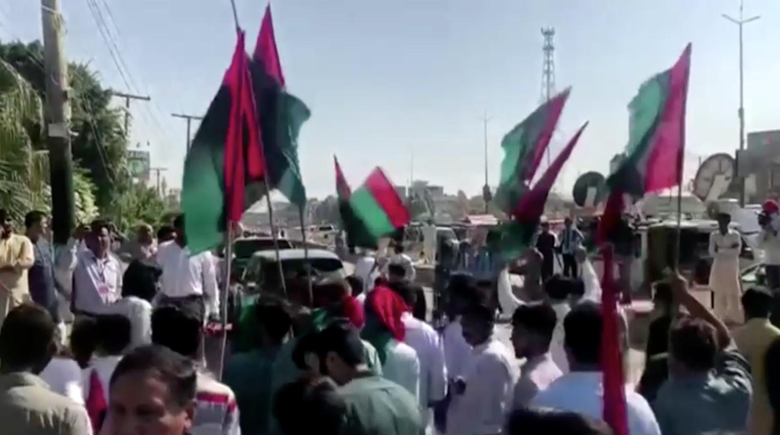 Phe đối lập chính phủ Pakistan bắt đầu các cuộc biểu tình trên toàn quốc kêu gọi lật đổ chính phủ