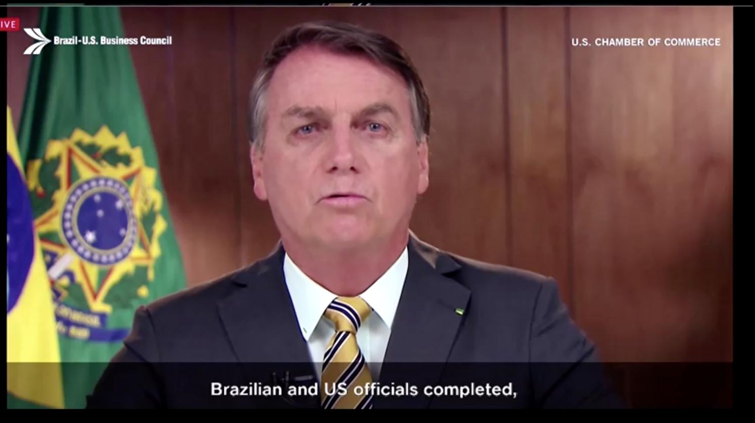 Ngoại Trưởng Mike Pompeo cho rằng hoa kỳ và Brazil phải giảm sự phụ thuộc vào hàng nhập cảng của Trung Cộng