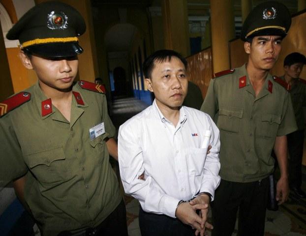 Dân Biểu Harley Rouda gởi thư cho Ngoại Trưởng Pompeo về vấn đề tù nhân lương tâm Nguyễn Bắc Truyển
