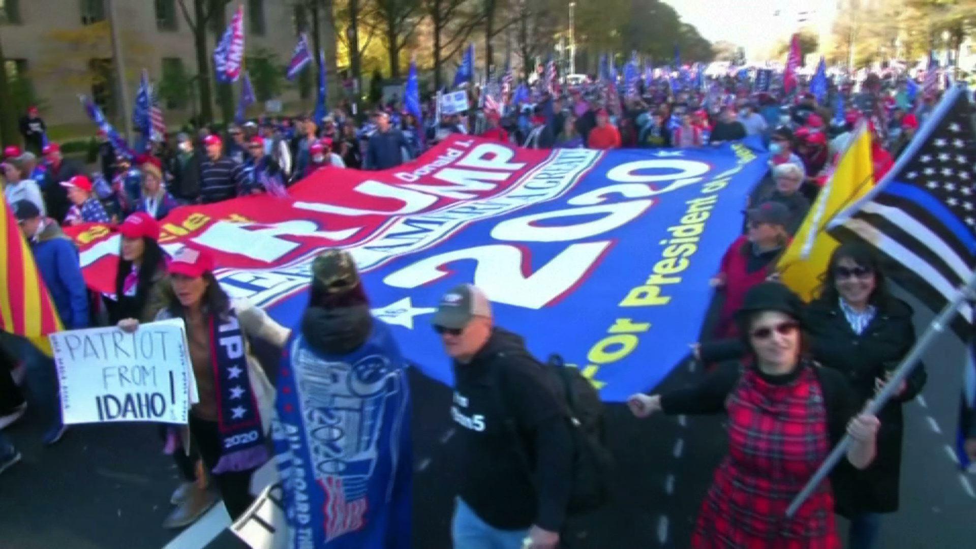 Hàng ngàn người ủng hộ Tổng Thống Trump tuần hành ở Washington