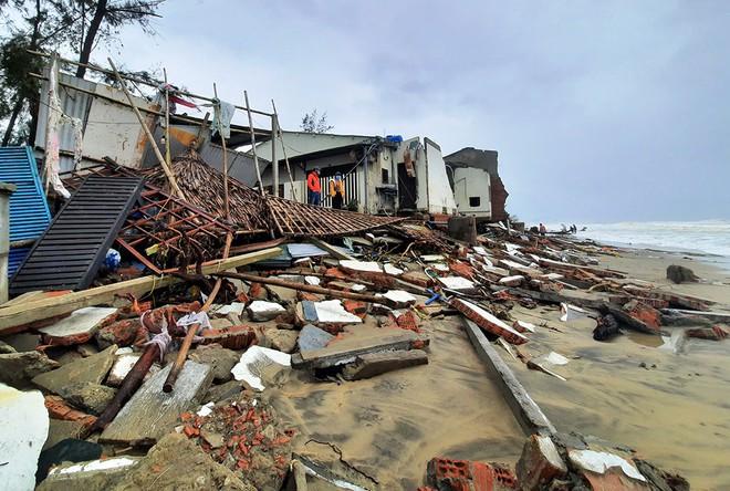 Thiệt hại của người dân miền Trung sau bão Vamco