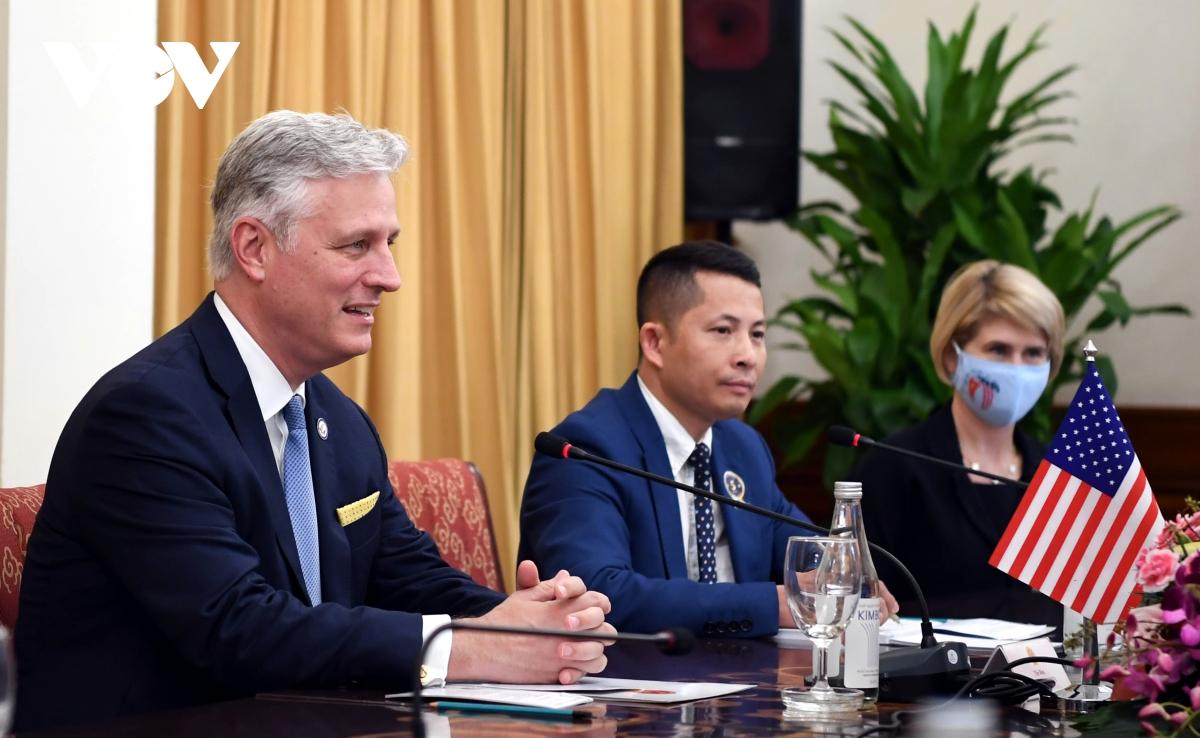 Cố vấn an ninh quốc gia Hoa Kỳ làm việc với phó thủ tướng CSVN