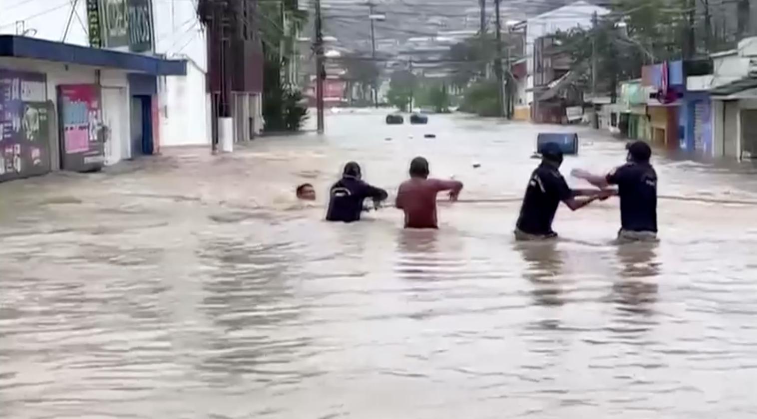 Các vụ sạt lở ở Guatemala nâng số người chết trong bão Eta lên gần 150