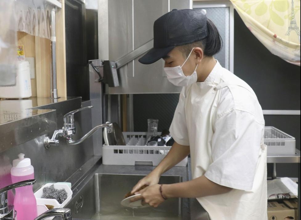 Khôngcó tiền hồi hương,thựctập sinh Việt Nam ở nhật bản ăn cắp trái lê
