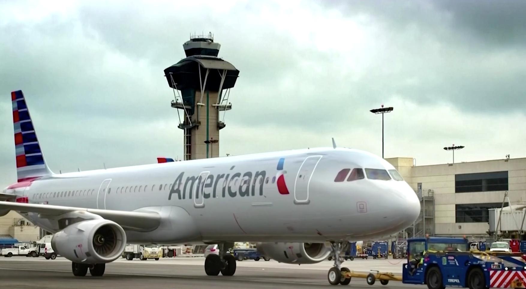 American Airlines và United Airlines tạm dừng các chuyến bay thẳng đến Thượng Hải