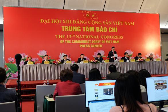 Nhà cầm quyền CSVN không cho các đại biểu đại hội đảng 13 nghỉ ở nhà riêng hoặc ở ngoài