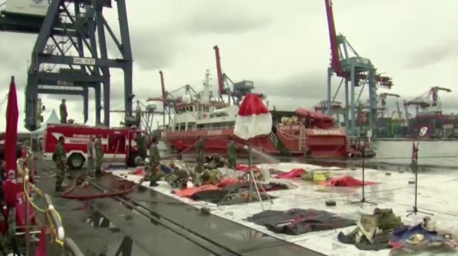 """Indonesia tự tin về khả năng tìm thấy """"hộp đen"""" thứ hai của chiếc máy bay gặp nạn"""