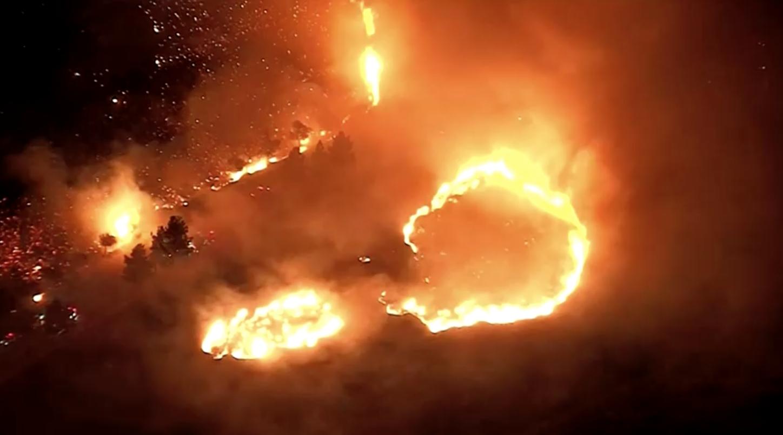 Công ty điện lực SCE có thể sẽ cắt điện của hàng nghìn khách hàng khi gió Santa Ana gây ra nguy cơ cháy rừng cao
