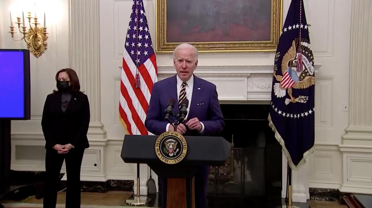 """Tổng Thống Biden đề nghị thay thế từ """"Người ngoại kiều""""(Alien)trong Luật di trú"""