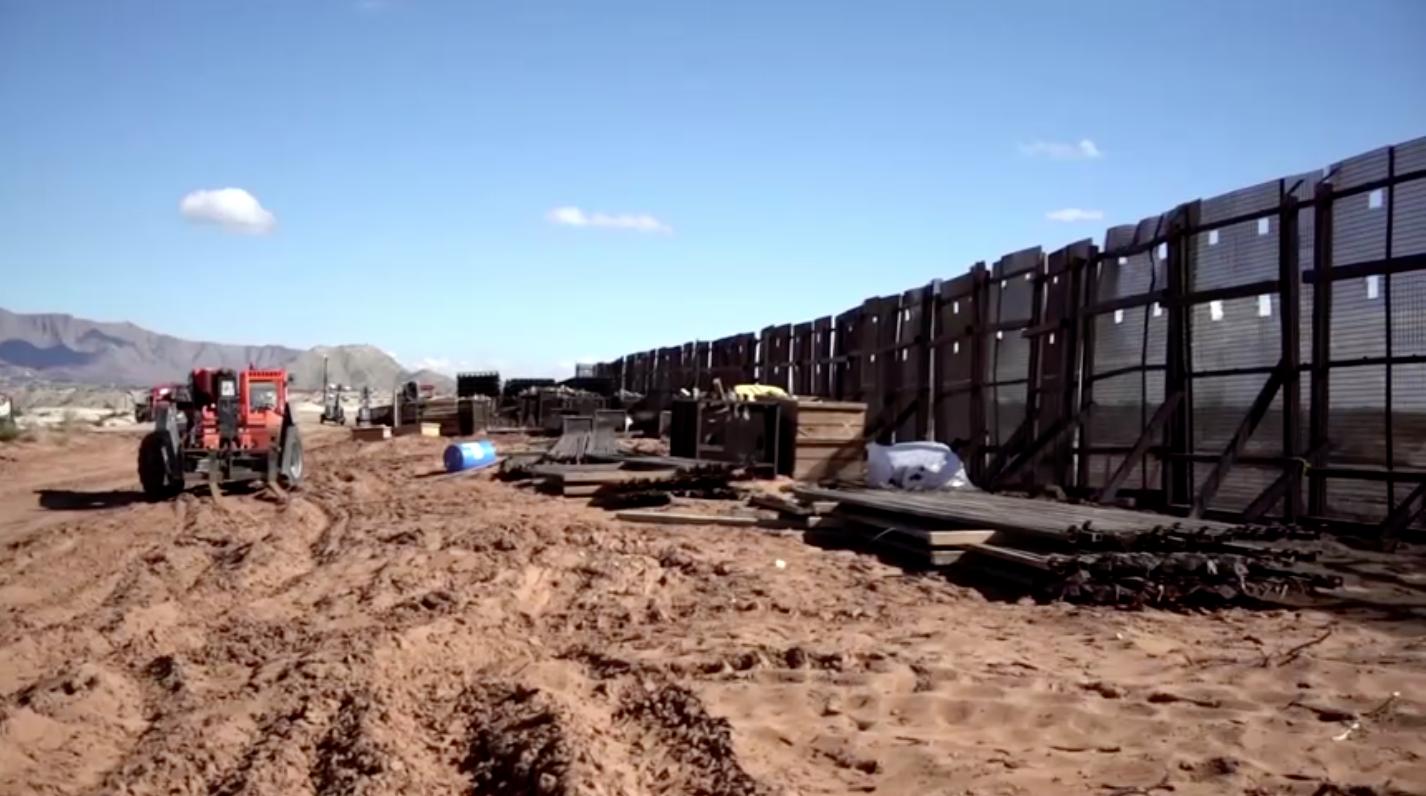 Tân Tổng Thống Joe Biden cho tạm ngừng xây dựng, bức tường biên giới Hoa Kỳ – Mexico bị bỏ hoang